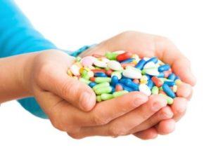 таблетки в ладонях
