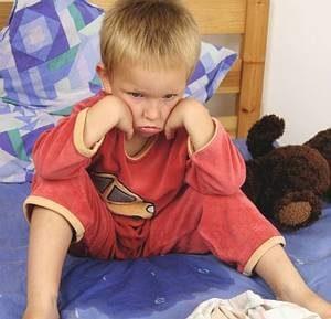 мальчик в постели мокрый
