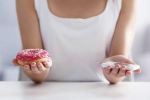 выбор между пончиком и глюкометром