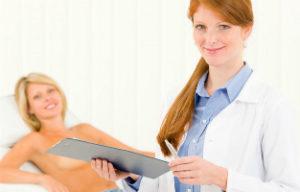 пациентка на приему у врача