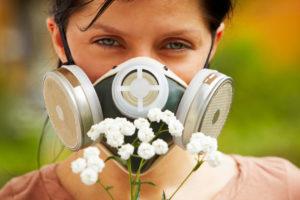 Аллергия у девушки на цветы
