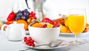 Каша с ягодами